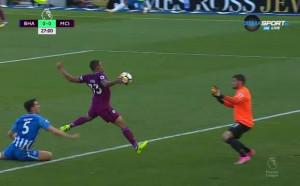 Часове до промяната на важно правило във футбола – играта с ръка