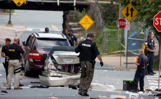 Ку-клукс-клан и крайно десни вилняха в САЩ, има жертви