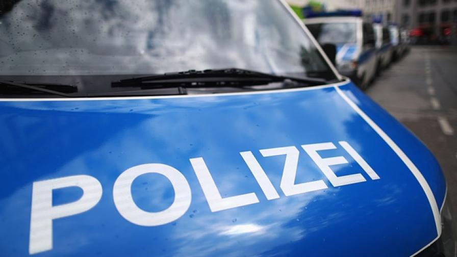 <p>Осъдиха българите, насилвали 13-годишна в Германия</p>