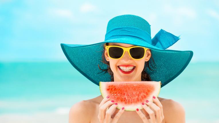 диета плодове мюсли диня жена лято