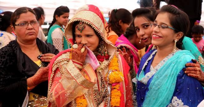 Върховният съд в Индия определи практикта на незабавен развод в