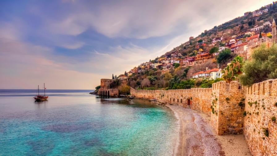 Безопасно ли е да почиваме в Турция