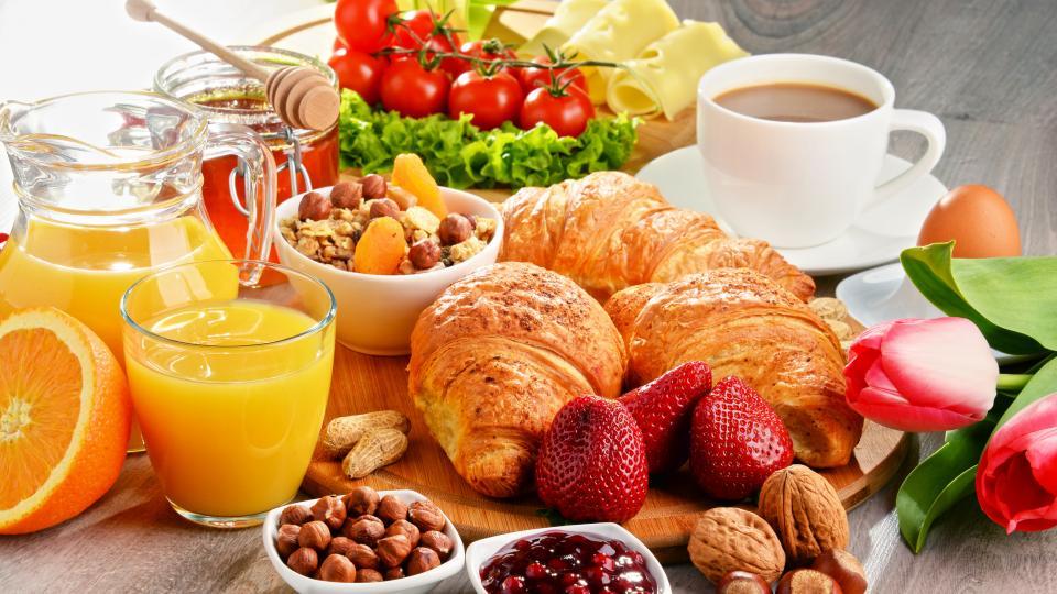 Уикенд закуска: Кифлички с кашкавал
