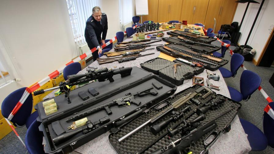 Те са в Германия, опасни, с оръжия и не вярват на Меркел