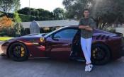 Красота: Новото попълнение в автопарка на Роналдо