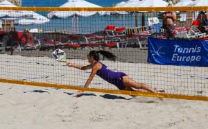 Янева и Аргиров на четвъртфинал на Европейското по плажен тенис