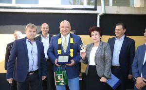 Откриха ремонтираната тренировъчна зала по футбол в Перник
