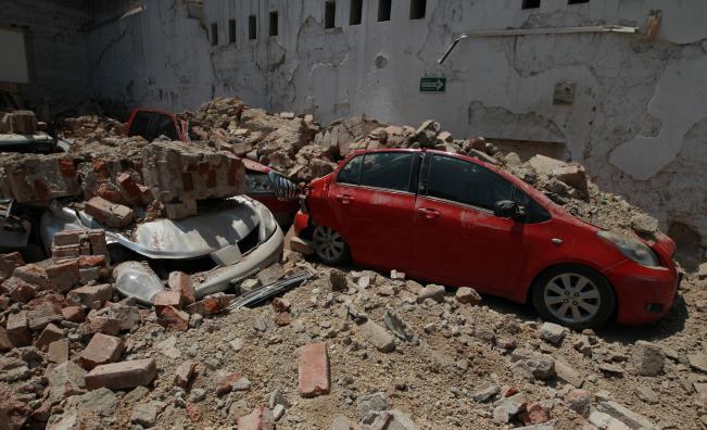 Катастрофално земетресение удари столицата на Мексико