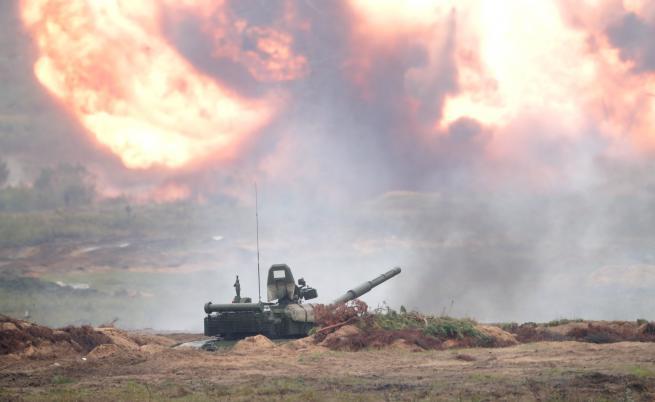 Светът се въоръжава с рекордно темпо, Русия изостава