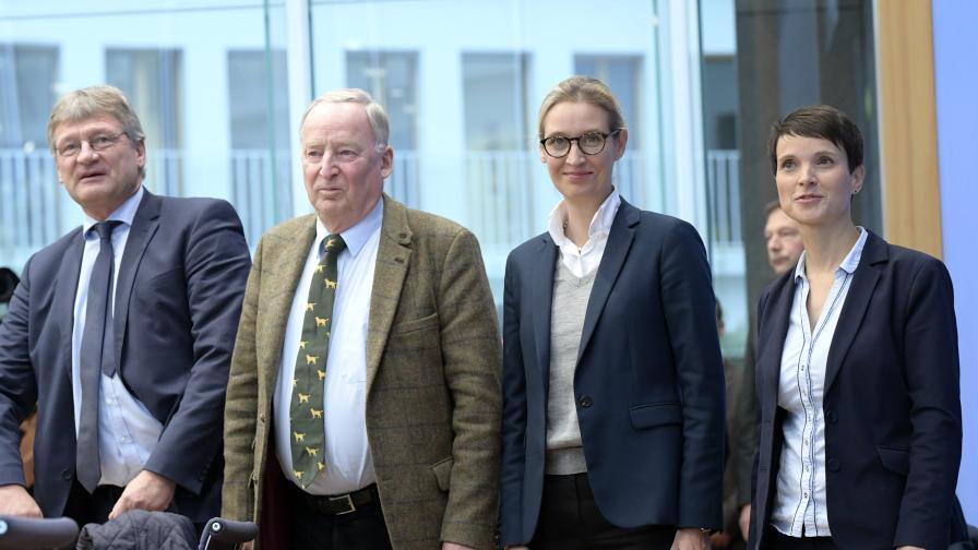 """Ръководството на """"Алтернатива за Германия"""" - отлявно надясно - Йорг Мойтен, Александер Гауланд, Алис Вайдел, Фрауке Петри"""