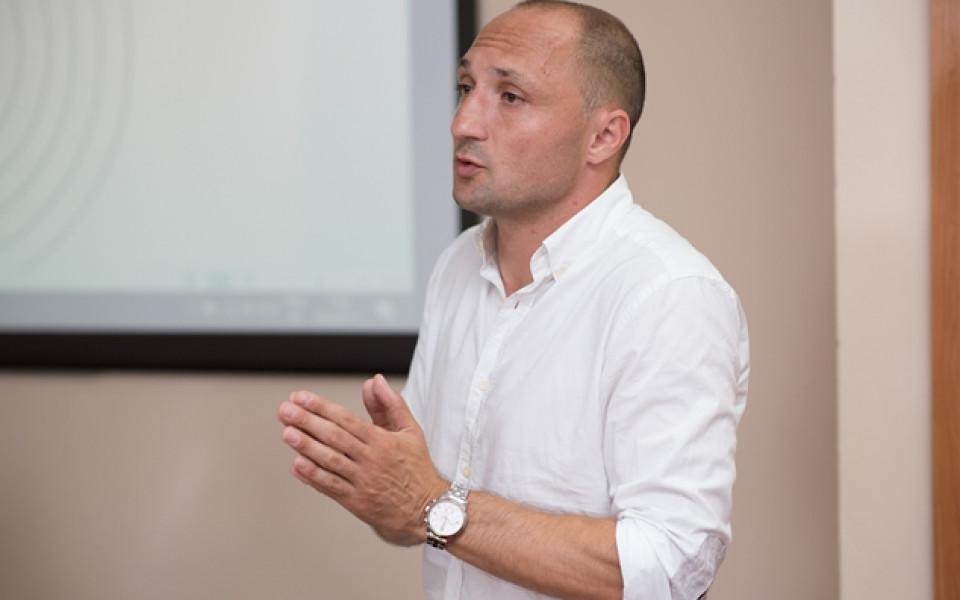 Футболният агент Виктор Венков към талантите: Само на терена може да станете лидери