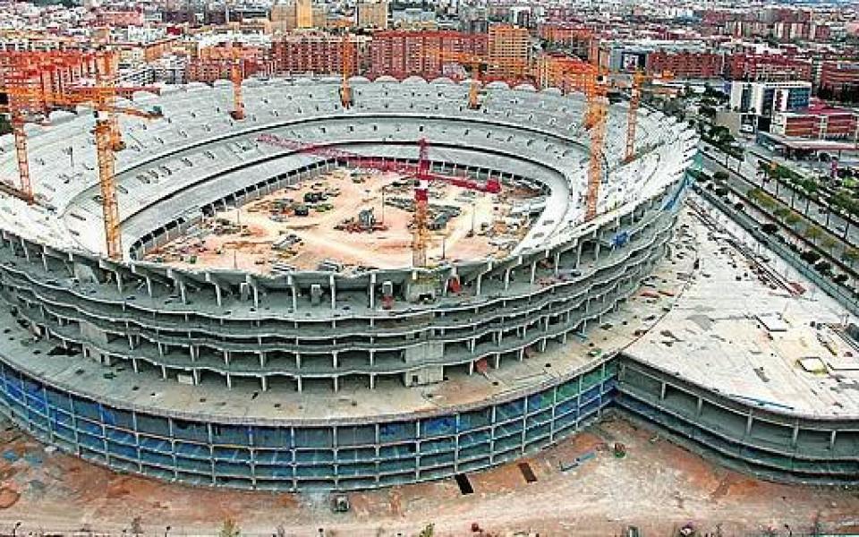 Валенсия подновява строежа на новия си стадион след 7 години пауза