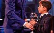 Синът на Роналдо няма страх от никого