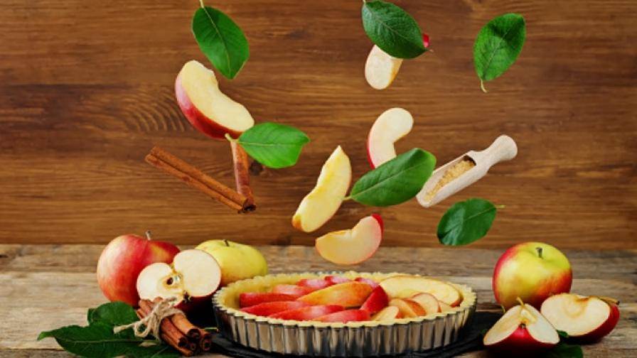 Есенна вкуснотия - кекс с ябълки