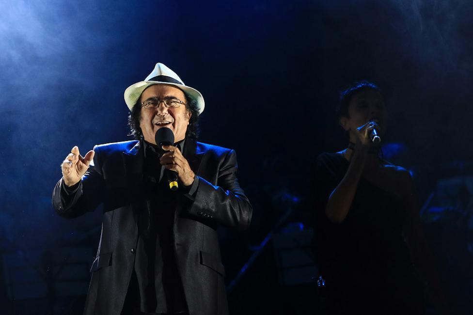 Сн. 18  - Италианският певец Ал Бано с новия си спектакъл в НДК. Той излезе на сцената с виртуозите от Софийска филхармония, И представи всичките си големи...