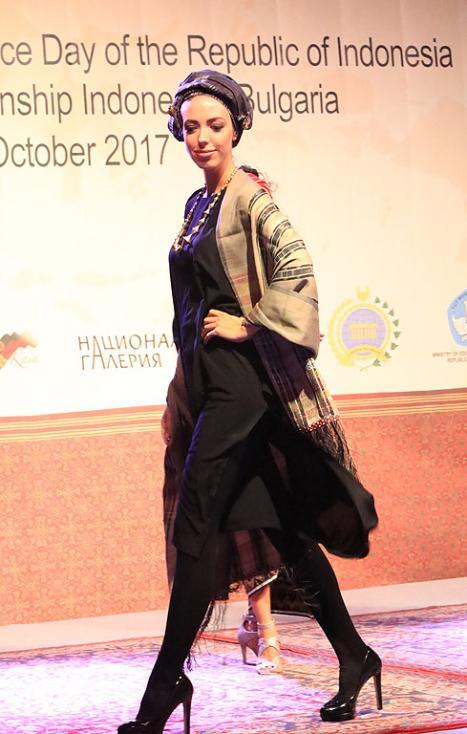 Сн. 21  - Официалното откриване на фестивала на 6 октомври 2017 г. в Квадрат 500 за подбрана публика от официални лица, партньори и приятели на посолството в...