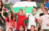 Многобройна агитка от българи и китайци подкрепя Григор срещу Надал