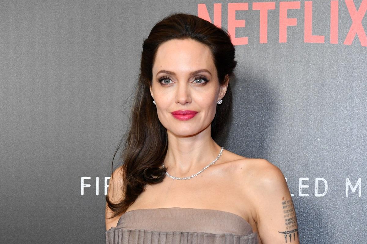 Анджелина Джоли също е имала неприятни изживявания с Харви, след които никога повече не е работила с него.