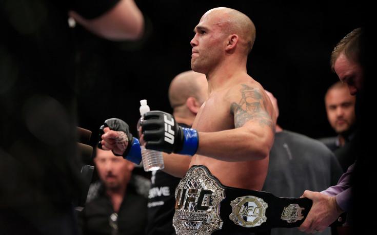 Роби Лоулър и Рафаел дос Аньос ще оглавят събитието на UFC в Уинипег