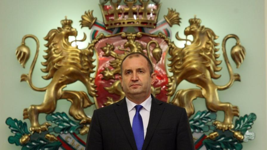 Министри отговориха на критиките на Радев