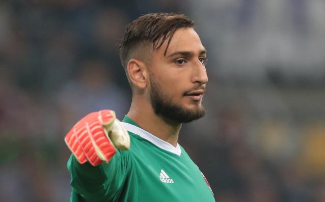 Талантливият вратар на Милан Джанлуиджи Донарума си остава трансферна цел