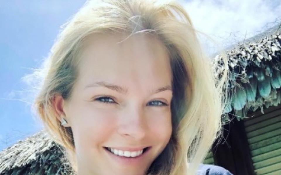 Чаровницата Клишина си почива в Бора Бора