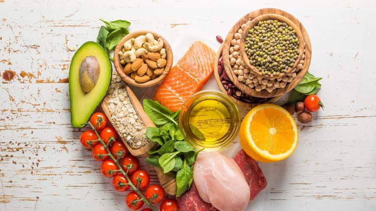 10 засищащи храни, които ни помагат да отслабнем