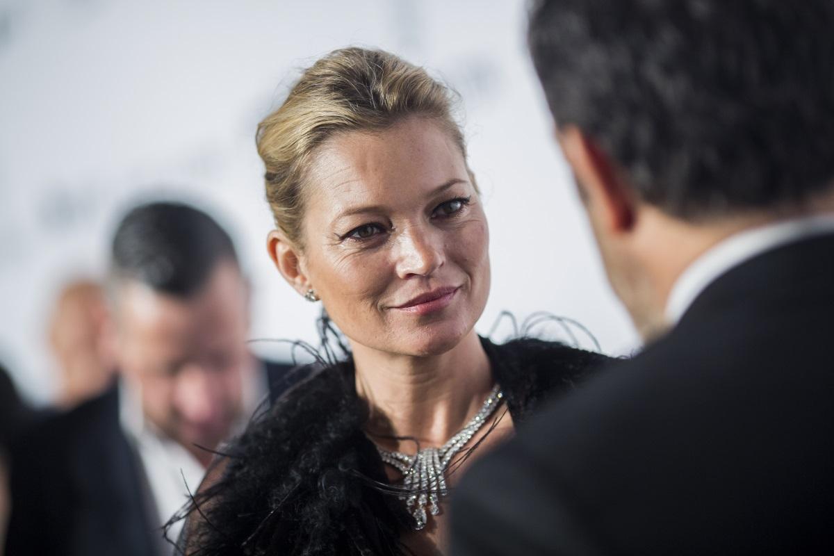 Кейт Мос също не прибягва до услугите на пластичните хирурзи, въпреки че от моделите винаги се изисква да бъдат перфектни.