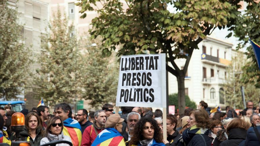 Стачка и сблъсъци след съдебното решение за Каталуния