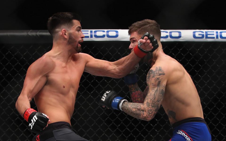 Доминик Круз със счупена ръка, отпада от UFC 219