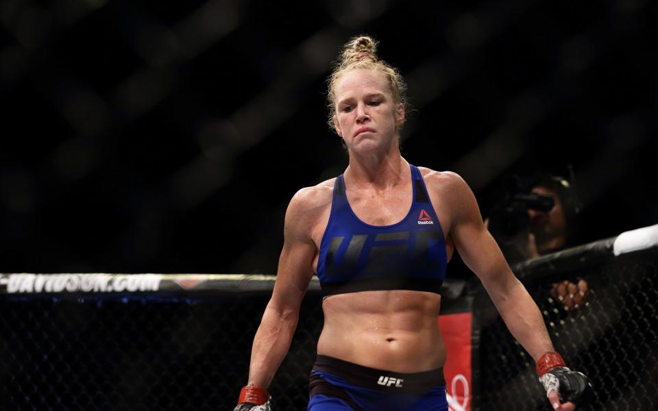 Битката между Холи Холм и Крис Сайборг за UFC 219 пропадна