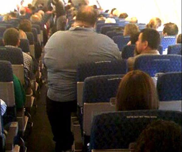 Понякога и самолетът може да се окаже прекалено малък за пътниците.