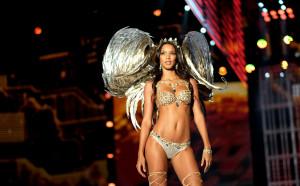 Изумително: Наш национал с ангел на Victoria's Secret