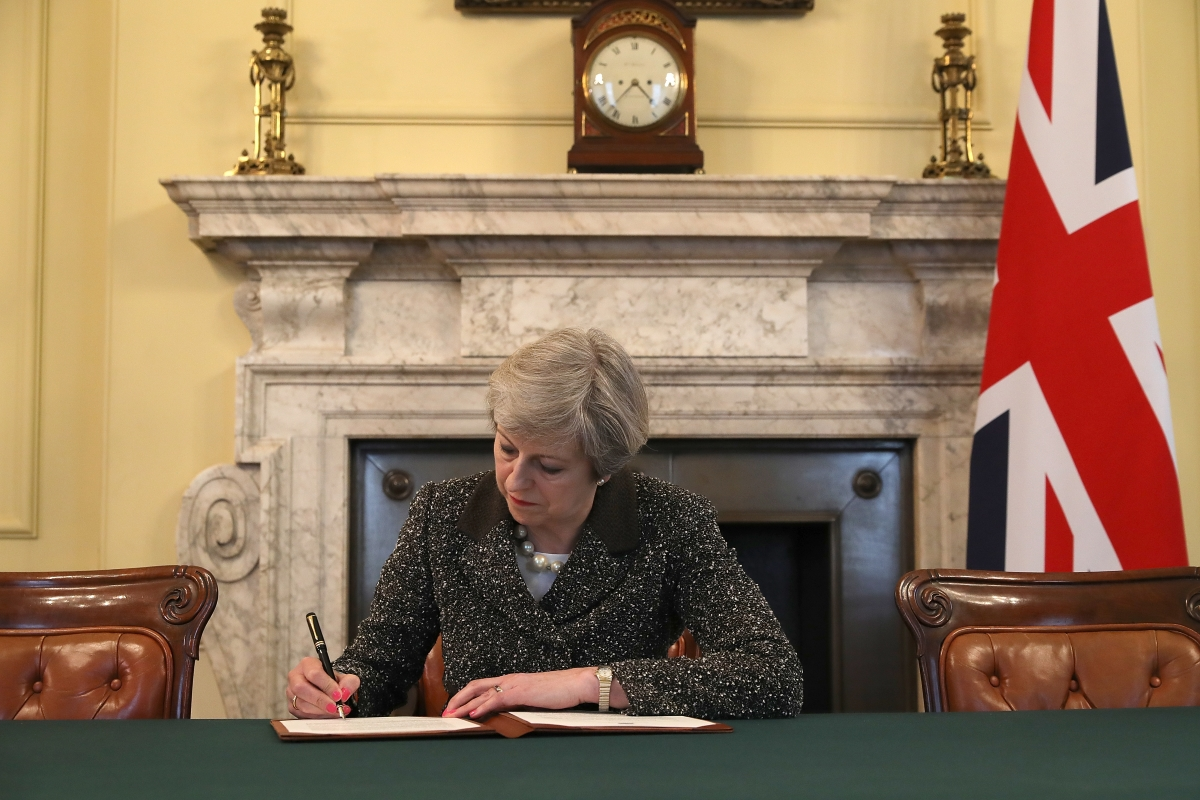 Тереза Мей, която стои на чело на Великобритания в този тежък момент, е завършила география.
