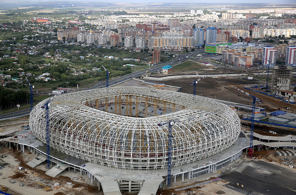 """""""Мордовия Арена"""", Саранск, все още се изгражда. Той ще предлага 44 000 седящи места. След края на първенството капацитетът на съоръжението ще бъде намален до 28 000 места. Там местният ФК """"Мордовия Саранск"""" ще играе домакинските си срещи. В момента отборът е в трета лига."""