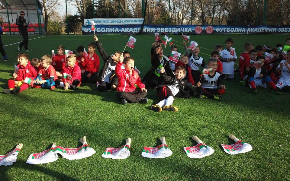 Футболен празник за децата в Бургас вдъхна надежди