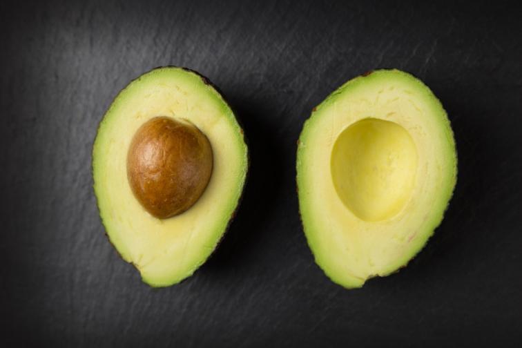 2 порции полезни мазнини: можете да ги откриете например в авокадото, маслините, отново сиренето тофу.