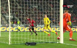 Първо греда и после гол - Рен се върна в мача