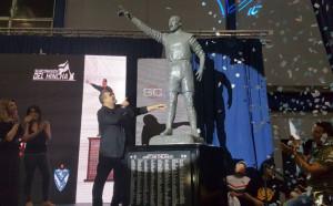 Нова футболна статуя, дали е по-успешна от предишните?!