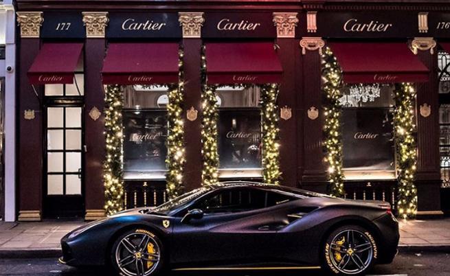 Екстравагантната Коледа на богаташите (СНИМКИ)