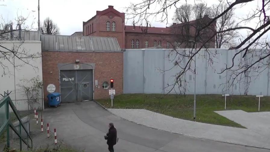 Лов на хора в Берлин след дръзко бягство от затвора