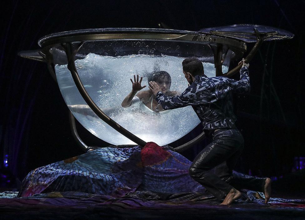 "- Представлението ""Amaluna"" на Цирк дю Солей в Рио де Жанейро, Бразилия"
