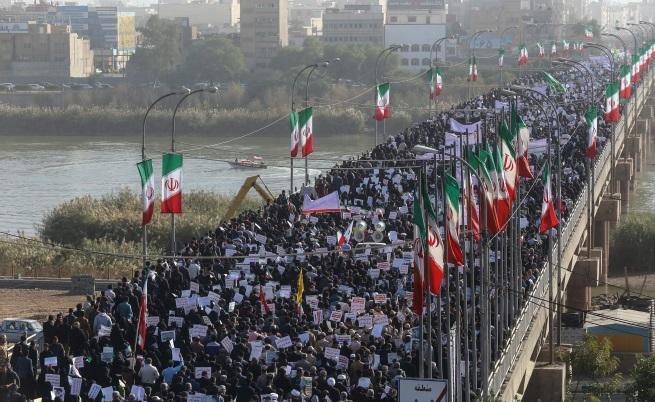 """Иранските демонстранти: """"Оставете Сирия, помислете за нас!"""""""