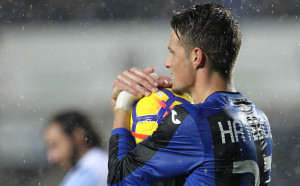 Милан се подсилва с десен бек