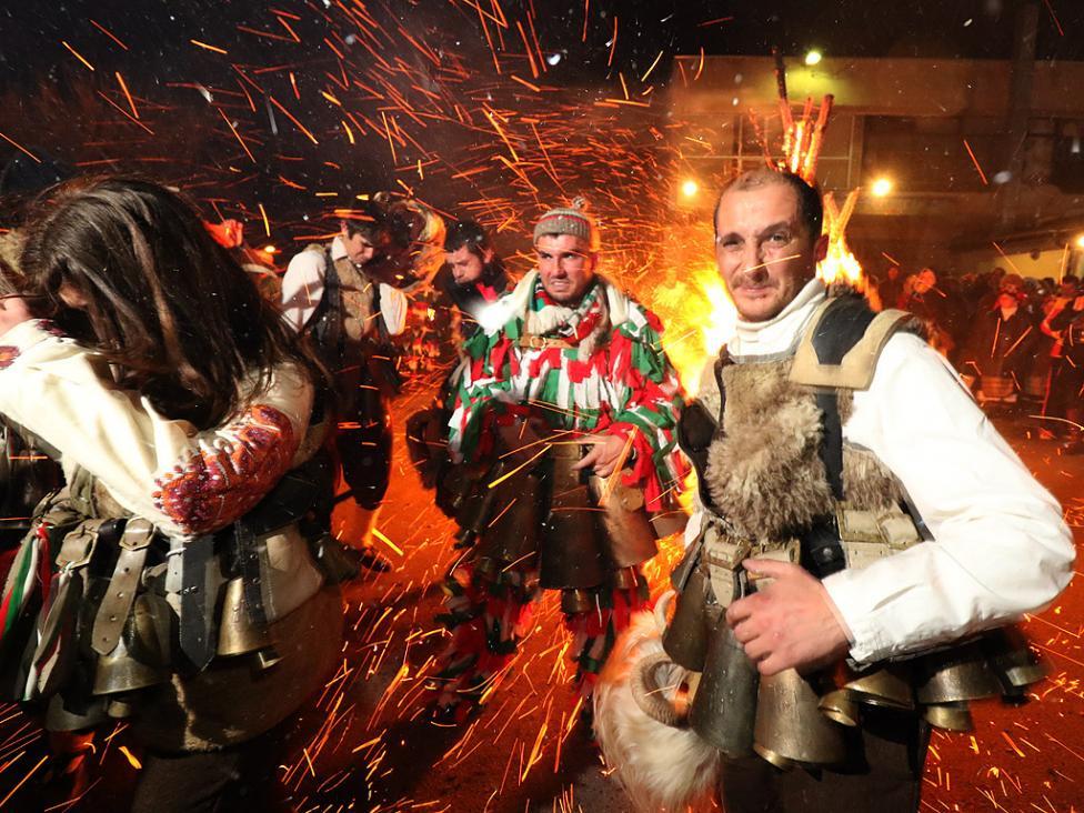 - Вълшебна нощ изживяха жителите на десетки села в Пернишко, Радомирско, Земенско и Ковачевско. По хилядолетна традиция, както всяка година в нощта на...