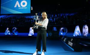 Шарапова се завърна с победа на Australian Open, Халеп и Кербер също напред
