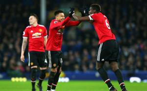 Дивашки танци в съблекалнята на Юнайтед