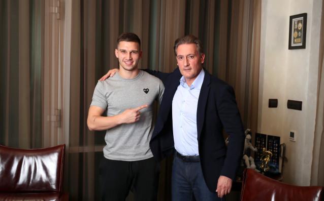 25-годишният нападател на полския национален отбор и на Заглембе ЛюбинЯкуб