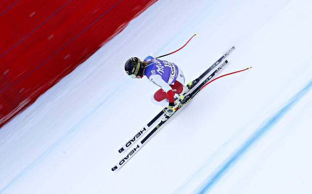 Швейцарката Лара Гут спечели супергигантския слалом от Световната купа по