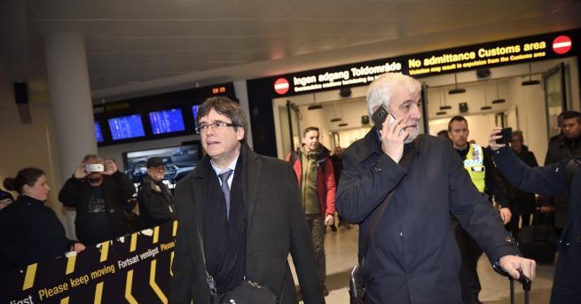 Бившият каталунски лидер КарлесПучдемон пристигна в Копенхаген въпреки заплахата от